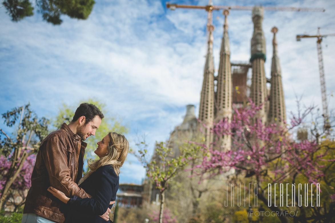Fotos de Fotografos Bodas Barcelona en la Sagrada Familia de Barcelona