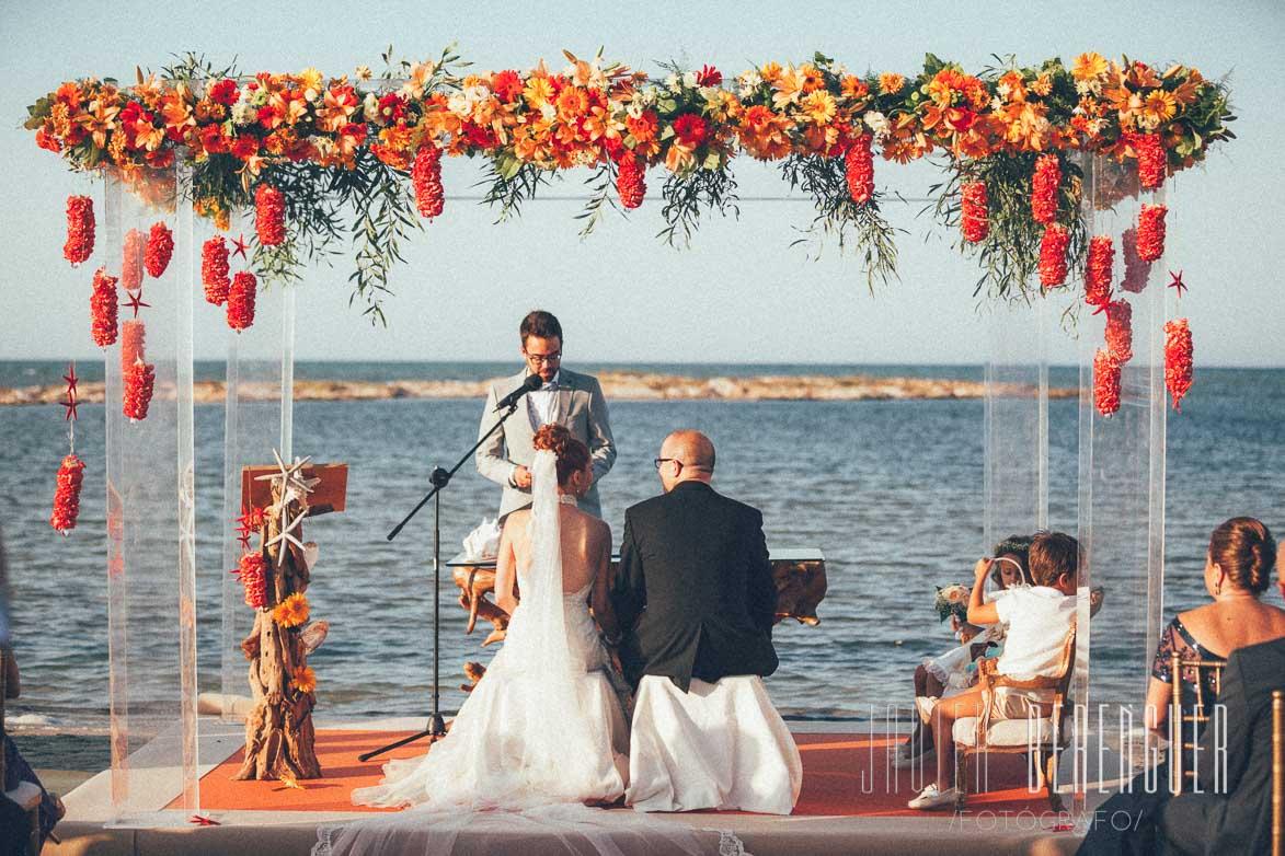 Matrimonio Catolico En La Playa : Boda con color y original