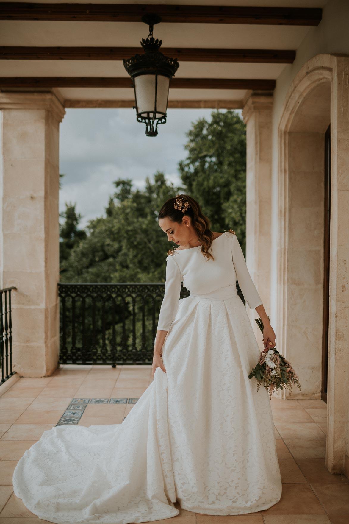 Vestido de Novia con Sobre Falda Pronovias