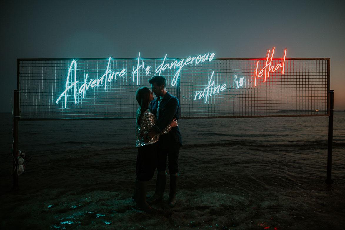 Fotógrafos de Pre Boda en Ibiza Neones para Bodas