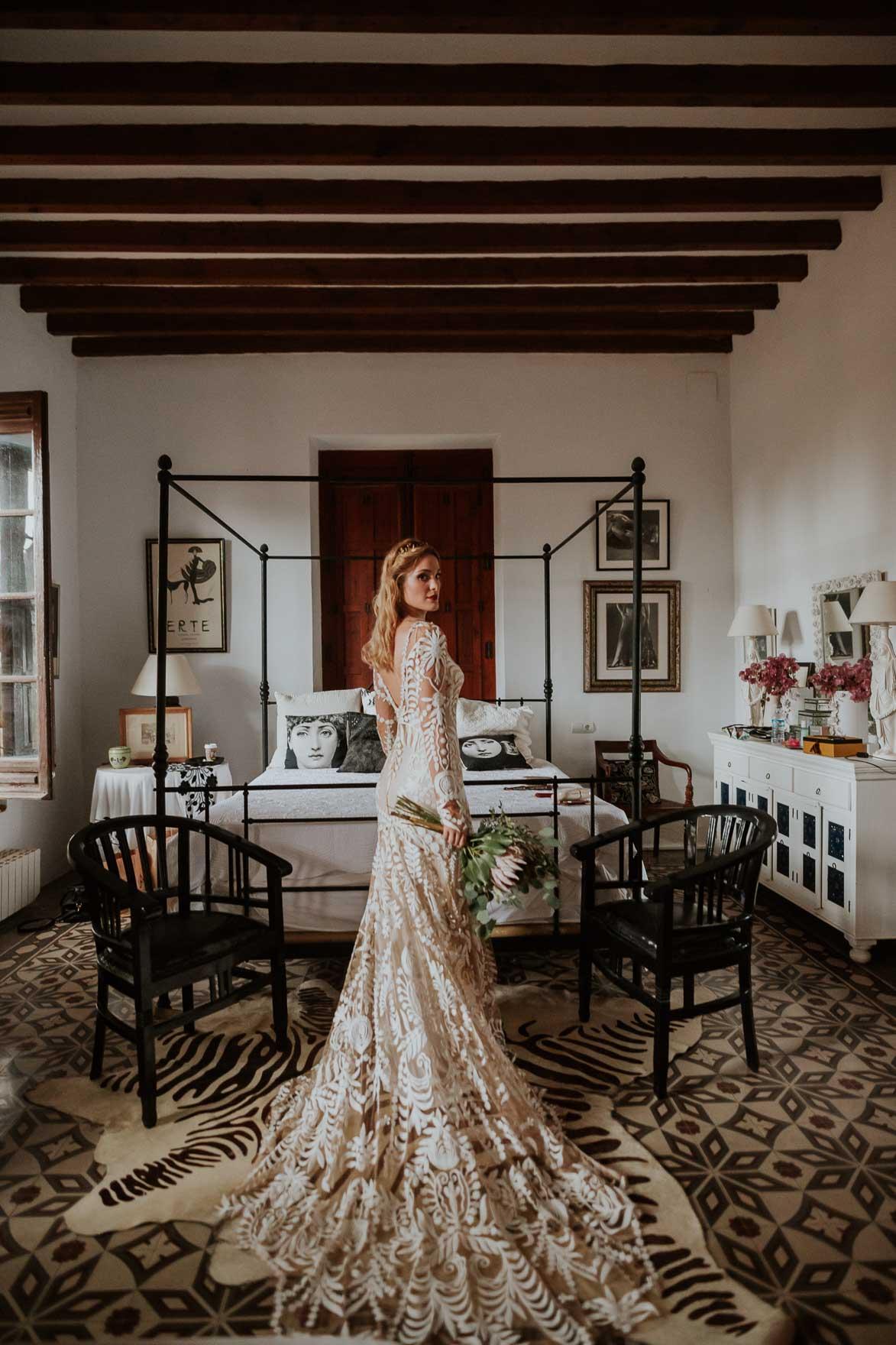 ANNA CAMPBELL BRIDE