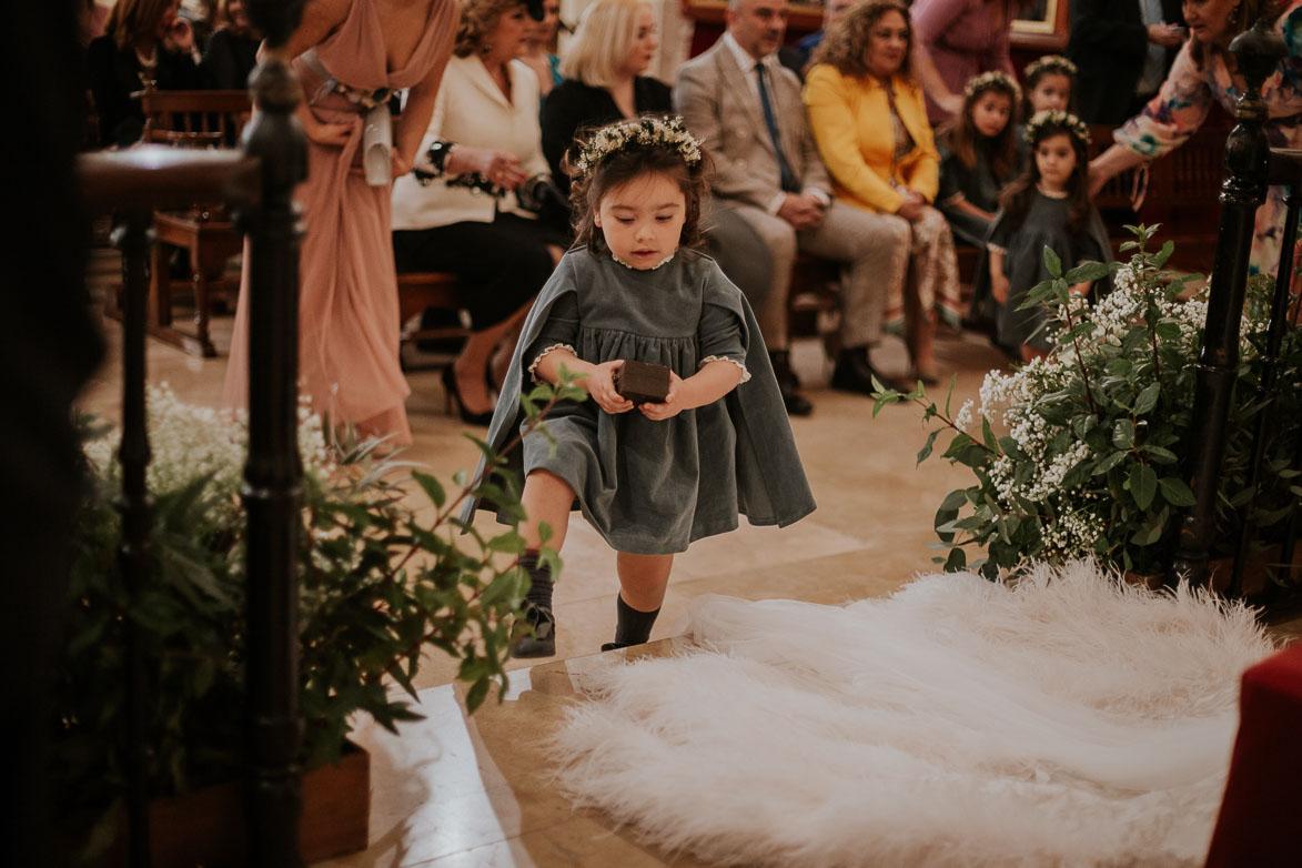 Como vestir a los niños que llevan los anillos en la boda