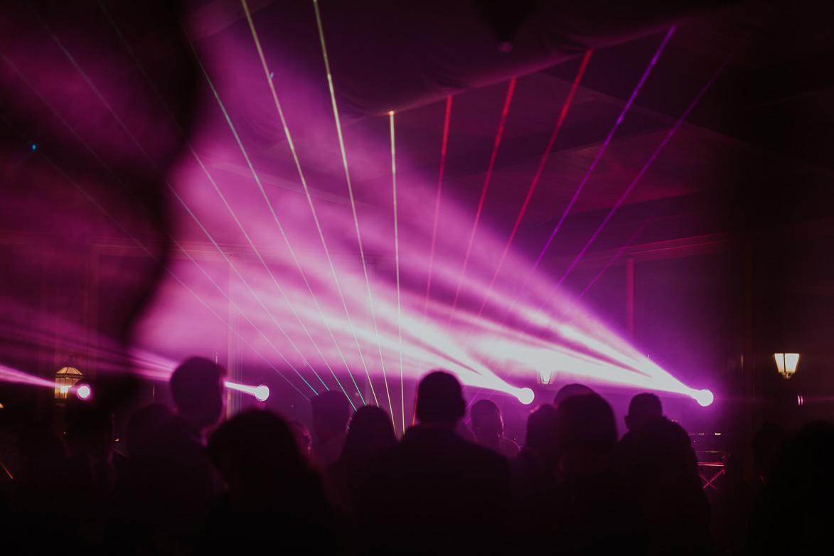 Luces y montajes de DJ en Bodas