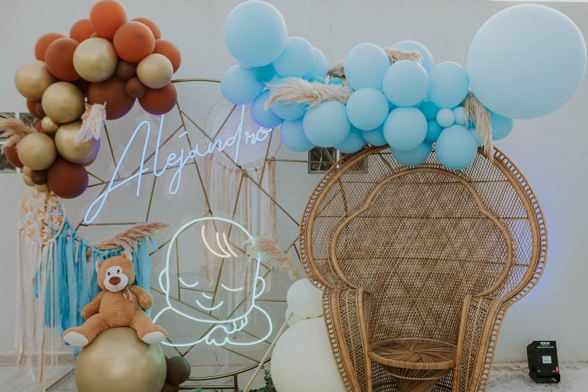 Decoración con Neones para Baby Shower