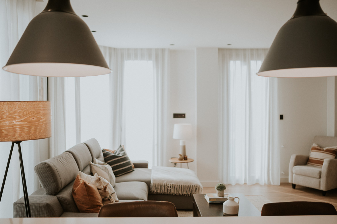 Decoración de Salón Minimalista y Confortable