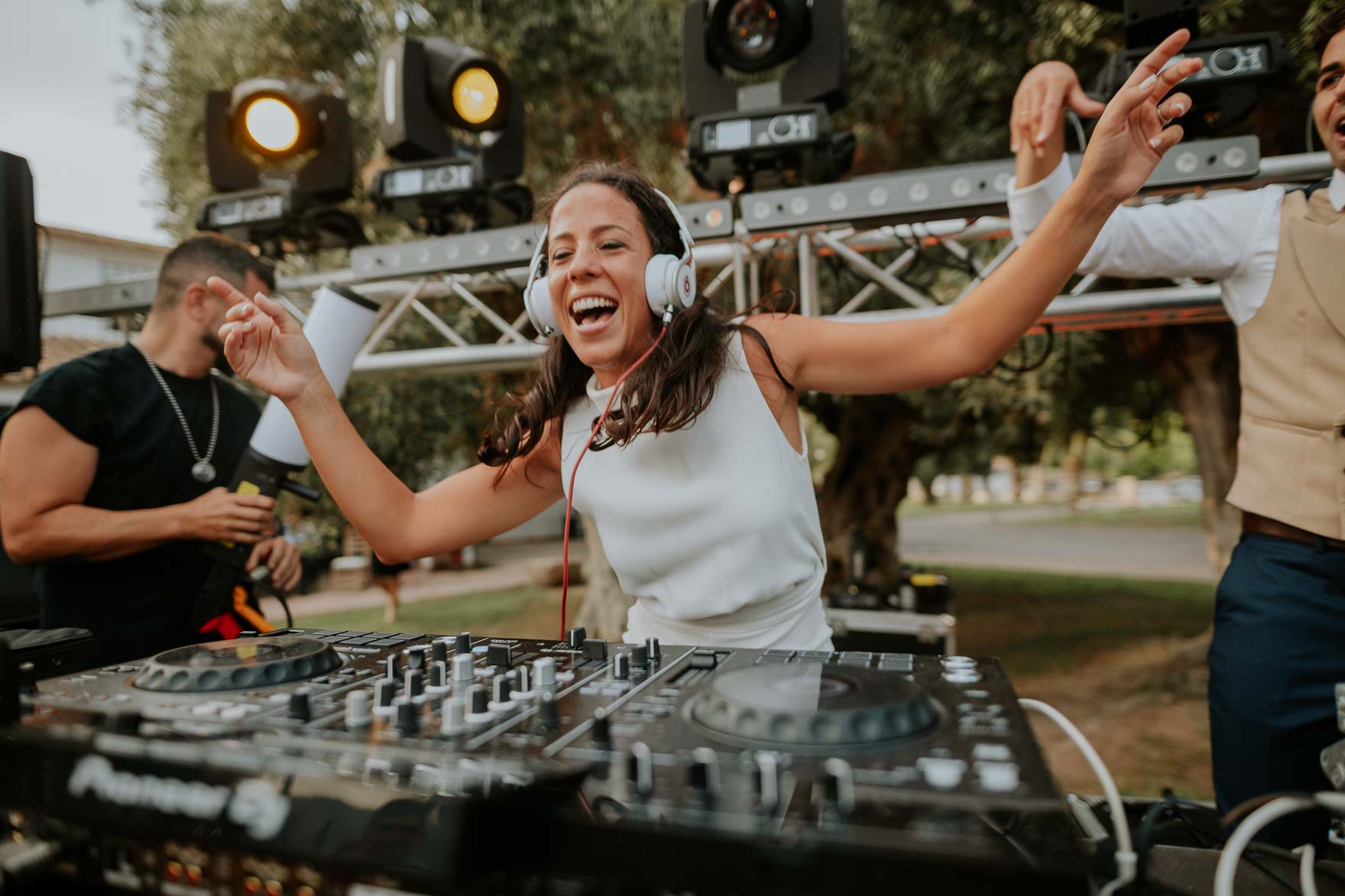 Novia DJ en Bodas