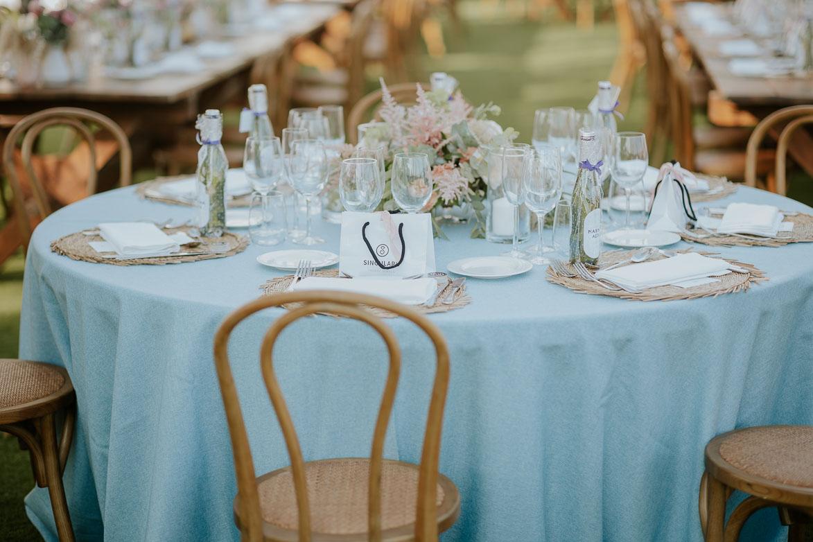 Mesas con mantel Azul